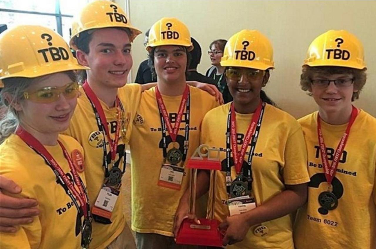 Aurora High School S Team Tbd Wins World Robotics Title Aurora